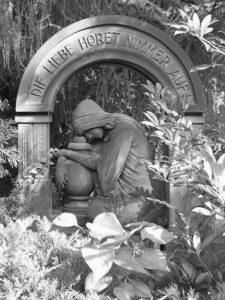 Wolff Bestattungen - Die Liebe hoeret nimmer auf